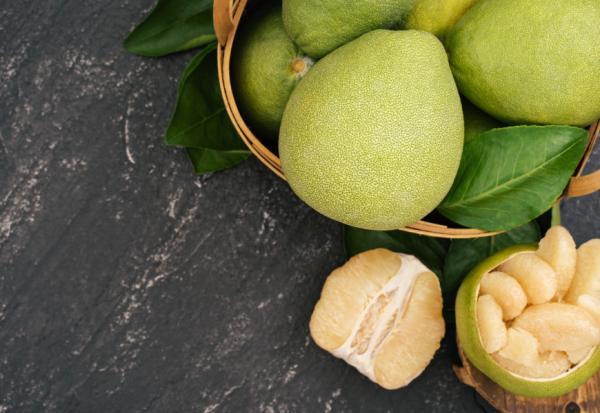 吃柚子注意!與吃藥一定要錯開,服藥期間應避開哪些飲料與食物?