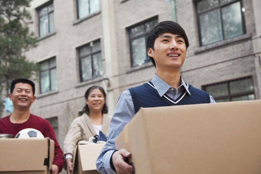 【丁菱娟專欄】小孩留學後不回台,如何轉念?父母活得快樂才能吸引相聚