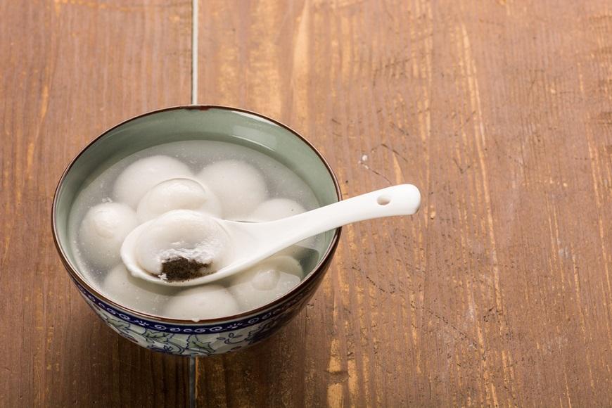 【高愛倫專欄】50後的新危險:嗆到與噎到!5個用餐新習慣,優雅又保命