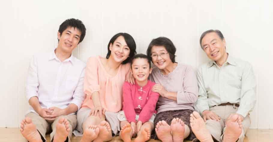 孩子是父母的明鏡,悲傷的經歷會複製;快樂的性格也可以世襲