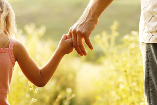 心理諮商師許皓宜:孩子大了,如何當個真正獨立快樂的父母?