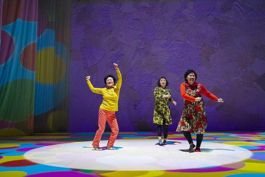 曾經壓抑,如今盡情!韓國「跳舞阿嬤」風靡世界:只是做自己而已