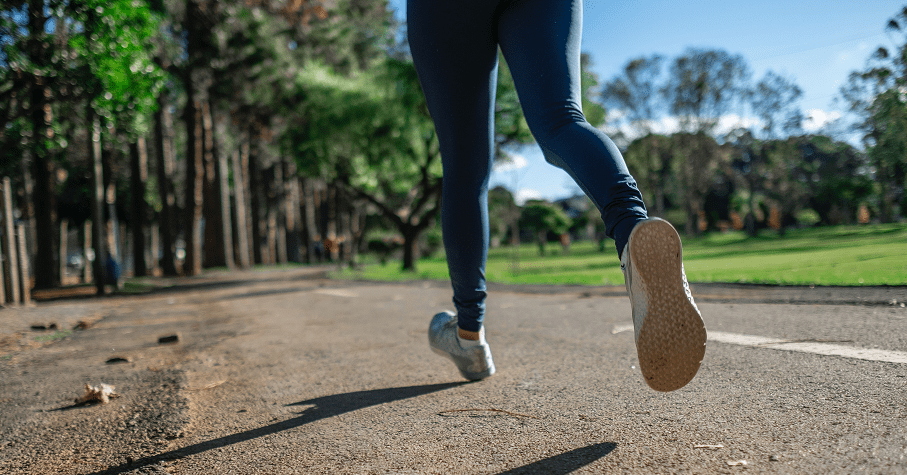 抗老化不是盲目運動就有用!運動博士:健身後給身體吃飽睡好的恢復期,至少1週1次練肌力
