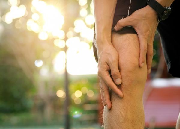 50歲後,3成患有膝關節退化!這樣鍛鍊「股四頭肌」,預防老後關節痛