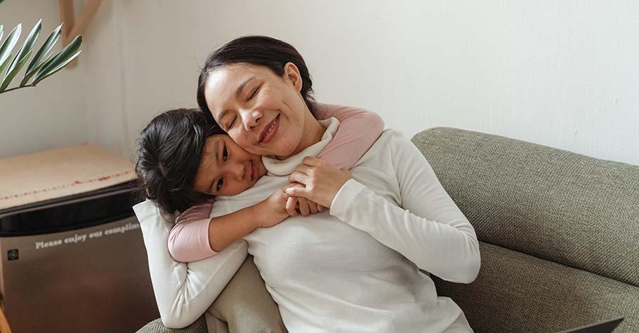 不是不愛孩子,只是累了或還沒準備好;放下「對不起,我是這種媽媽」的想法,從愛自己開始