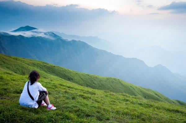 爬山會凍齡!50後登山,如何享受迷人風景也保護自己?