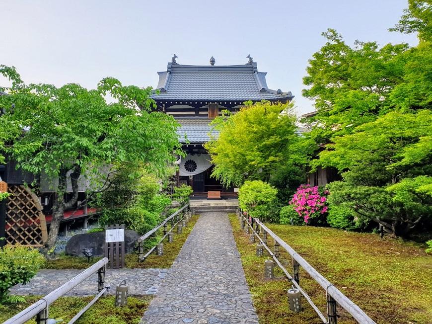 【梁旅珠專欄】去京都,避開人:幽靜寺院內的普茶料理「閑臥庵」