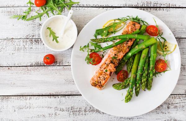 怎麼吃,才能避免肌少症?營養師:掌握飲食3要點,增肌減脂、皮膚有光澤