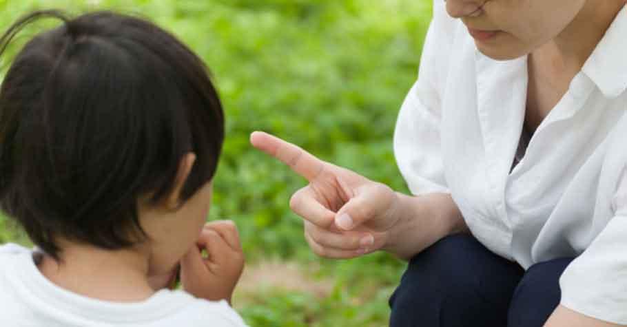 和家人之間的爭執,先讓步與先低頭的人,往往是因為愛!生氣前請先核對親子之間的談話