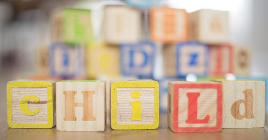 妳家孩子總是聽到英文就覺得討厭嗎?教孩子輕鬆學習字彙片語其實很容易,就從生活開始!