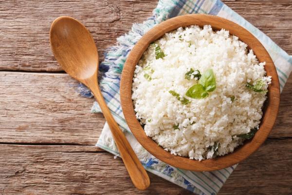 吃飯照順序,避免血糖升!糖尿病專家:先肉、後菜,再米飯