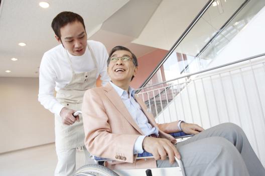 【綠主張】當老人越來越多,我們足夠「體貼」了嗎?日本長照設計觀摩