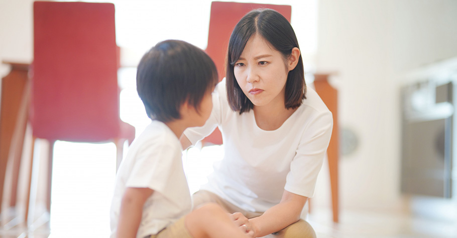 當孩子被同學欺負,可以打回來嗎?光光老師這樣教:3階段引導孩子學會保護自己