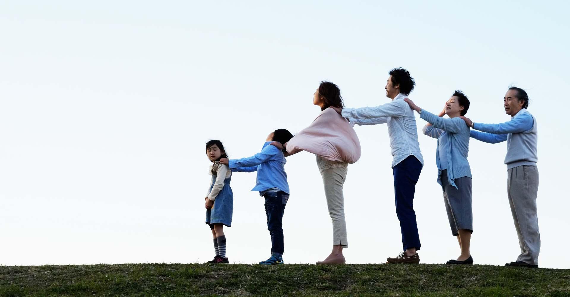 如何避免直升機教養:為什麼大人什麼事都搶著幫孩子做?是因為大人太焦慮