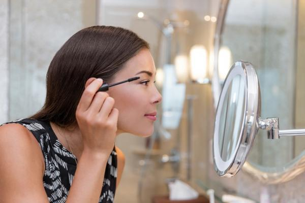 正式社交場合,如何打造「高雅感」妝容?日本彩妝師:善用20%法則