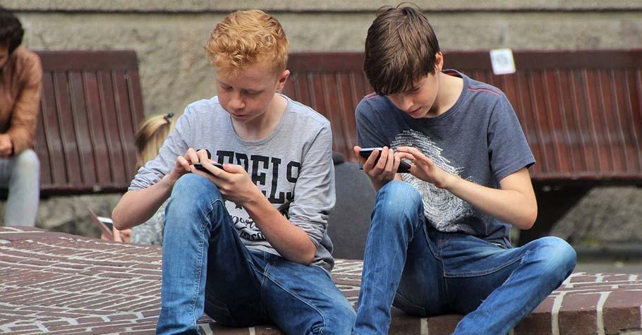 讓孩子擁有手機等連線裝置並不是他歲數多大的問題,而是孩子真的準備好了嗎?