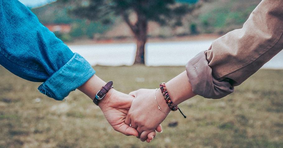 婚姻中最重要的不過是:丈夫在情緒上願意努力理解妻子,以及妻子能夠體諒丈夫的努力