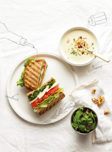 輕盈的週末早晨,湯和三明治的清爽飲食提案