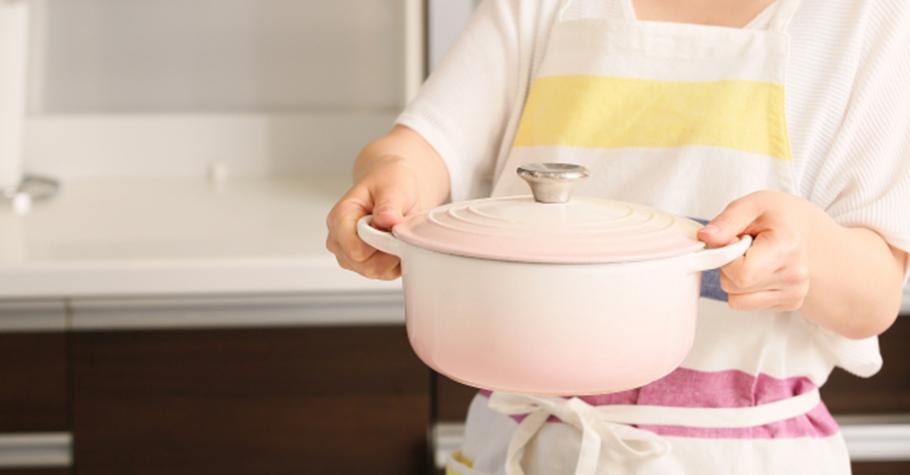 分享的真諦:那胖胖的大鍋子裡所盛裝的,不只是燉菜的食材,還有寬大的心胸,和對人的慈愛...