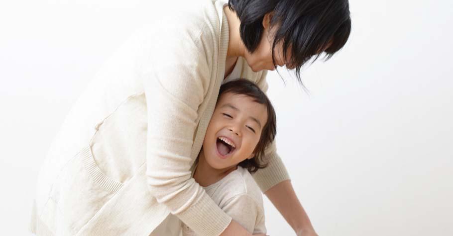 時常擁抱可以消除各種焦慮!別吝嗇,盡情的擁抱你的孩子吧~