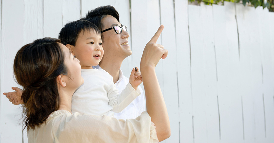 大人都希望孩子成為善良的人,那我們呢?提醒在孩子身旁的我們,生活中不經意的小事與關懷,就是「善良的選擇」
