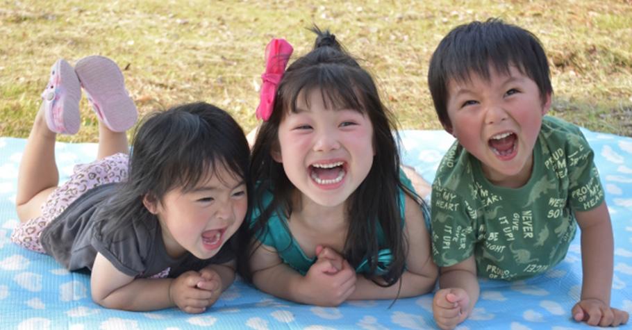 教孩子良好品格比任何事更重要:帶著孩子學會互助與分享,也進一步為他帶來好人緣和好心情