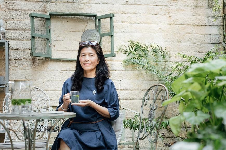 香氣圍繞中的療癒日常,香草生活家Julia:偶爾放任自由生長,人生會更豐盛
