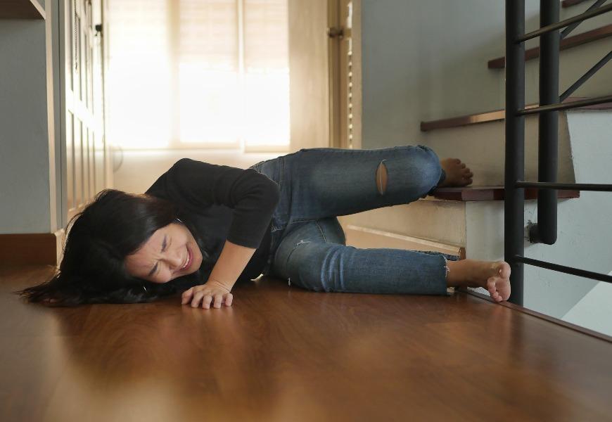 一人在家身體有緊急狀況怎麼辦?3個家中常見意外的救命術