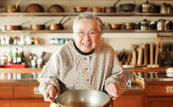 愛是人生最佳調味!94歲日本料理家的飲食保養法:吃飯6分飽,冷熱隨自然