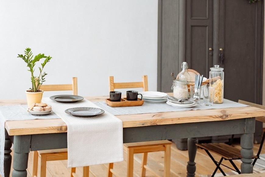 中年後為何該換張大餐桌?讓自己盡情發懶、朋友「+1」,創造美好時光