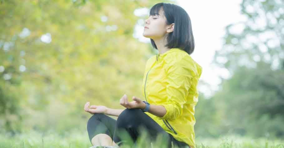 在盛怒時,給自己三秒鐘的冷靜時間,深呼吸後轉換心念,自救也避免傷害孩子