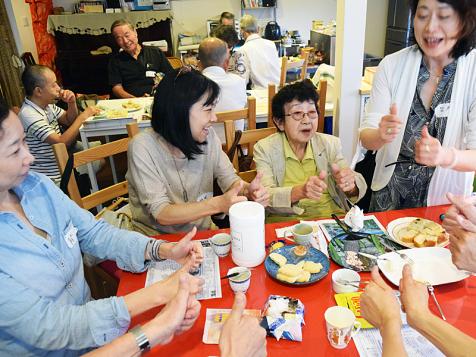 日本失智咖啡館,讓辛苦的照護工作變成溫暖的下午茶時光