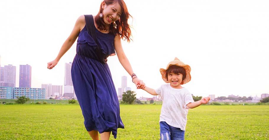 與孩子相處,不是只有處理事情或解決問題,練習跟孩子分享自己的心情,愛就會加倍奉還回來....