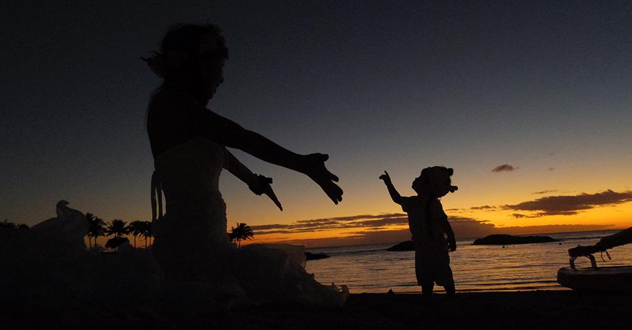 中秋月團人團圓:不論兒女走了多遠,父母永遠都在家中等候著