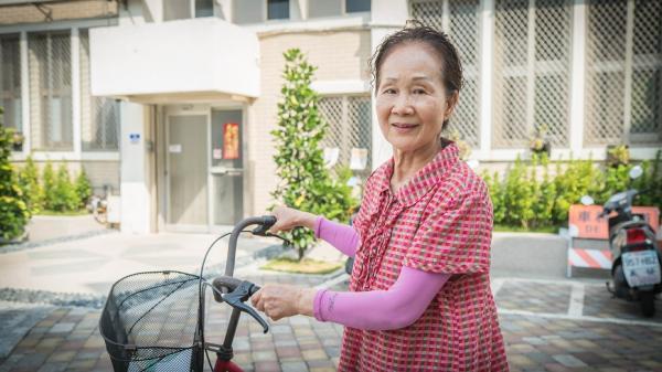81歲還在照顧獨居老人,陳惠菁:因為快樂