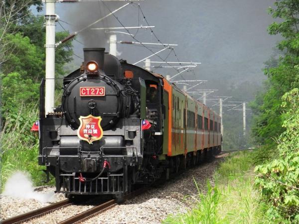台灣特色鐵道之旅!5處秘境車站+古董蒸汽火車、郵輪式列車特色行程推薦