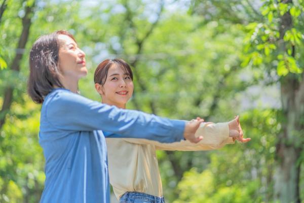 台灣首創!只租不賣、青銀共居的多機能社區「銀新未來城」,老後不擁房也有好生活