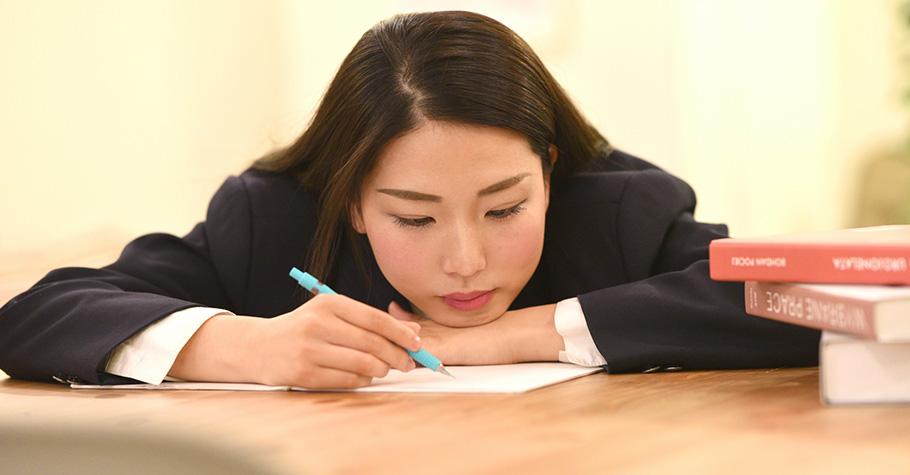孩子想要在作文中亮眼得分,從鑽石般的角度,洋蔥般的層次切入就可以出奇制勝