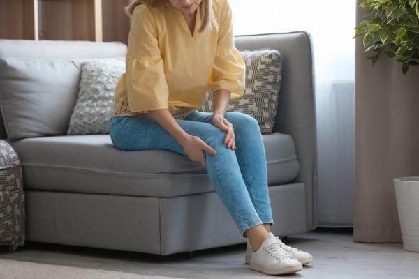 40後必知的膝蓋保養技巧!退化性關節炎:生活該做哪些事預防,並減少膝蓋負擔?