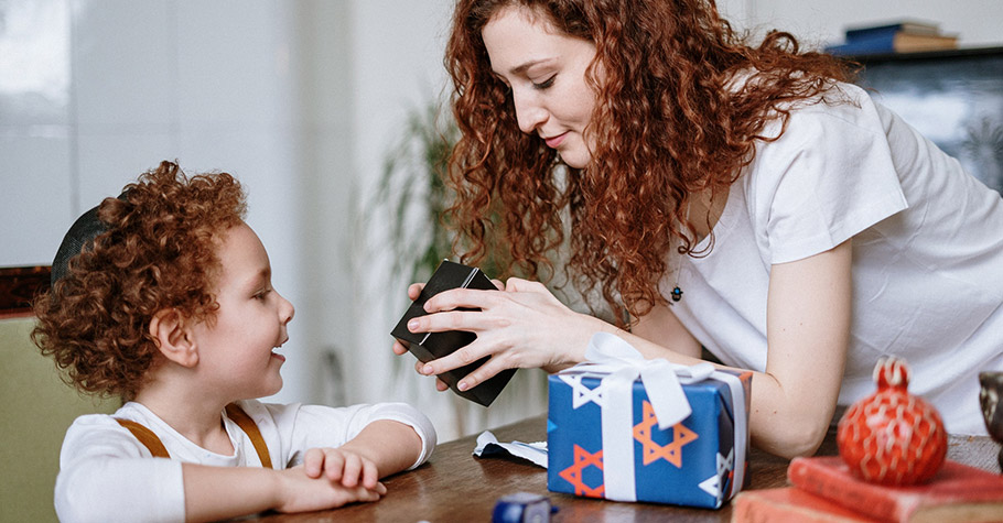 信用教育》猶太人認為,信用是成功的種子。為了教育守信的思維給下一代,猶太父母對孩子遵守兩大原則