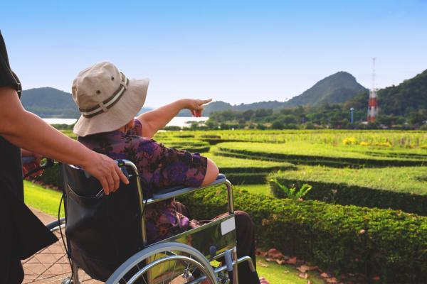 【省力照顧專題】帶行動不便的爸媽去旅行,如何更省事?