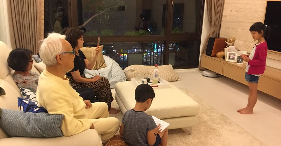 想讓孩子優雅,教他「放低音量講話」劉墉:一個從小就能自制的孩子,長大會更懂得控制情緒、與人相處