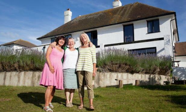 你適合有室友一起共老嗎?英國熟齡平台:6大原則,房租變少樂趣增加