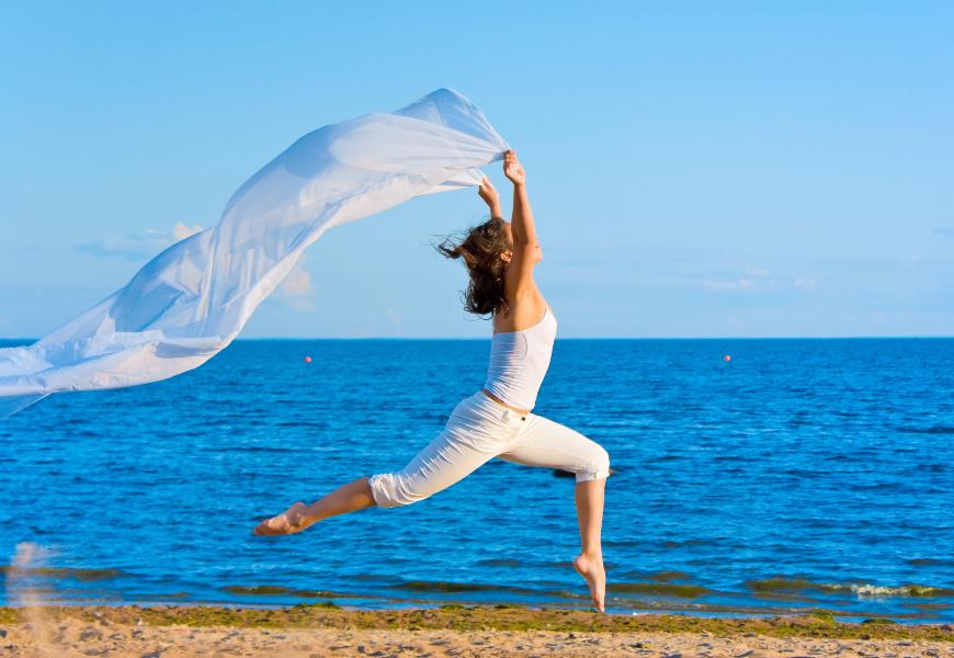 腰痠、腰痛、常閃到腰,是腰椎退化警訊!留意3個生活習慣,腰部到老都有力