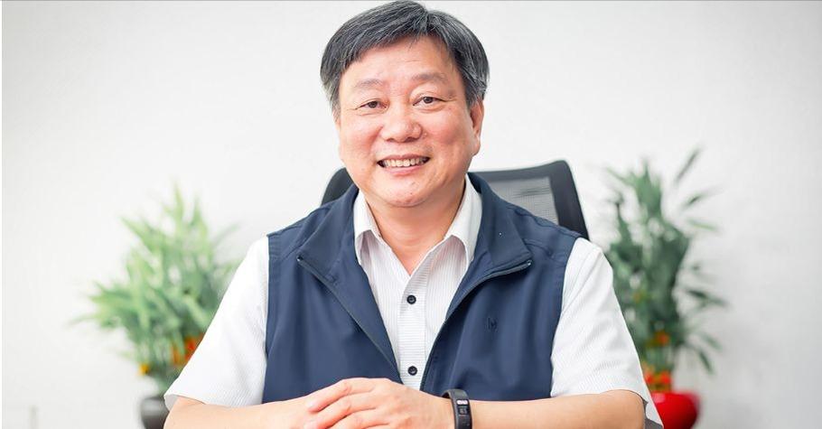 兒時打赤腳上學的台南教育局長鄭新輝:多給孩子機會和肯定,他的潛能就會被激發出來!