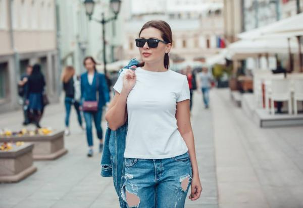 夏天常見的白色單品怎麼選?白皙或小麥膚色,要選不同的白