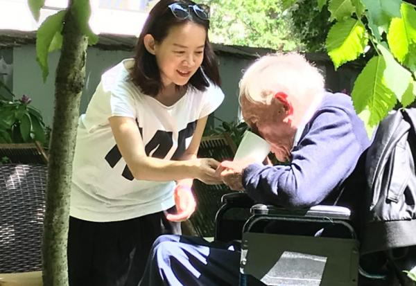 若死亡是禮物,我們學到什麼?曾寶儀觀察:赴瑞士安樂死,104歲大衛古道爾的最後2天