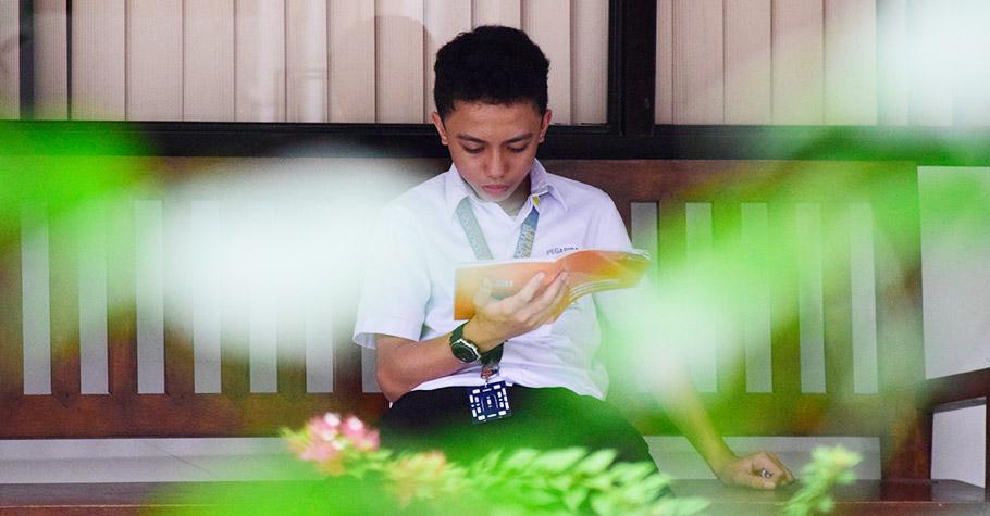 藉由課外閱讀開啟眼界,孩子比較容易邁向自主學習和思考,不必透過課本就能將很多事融會貫通