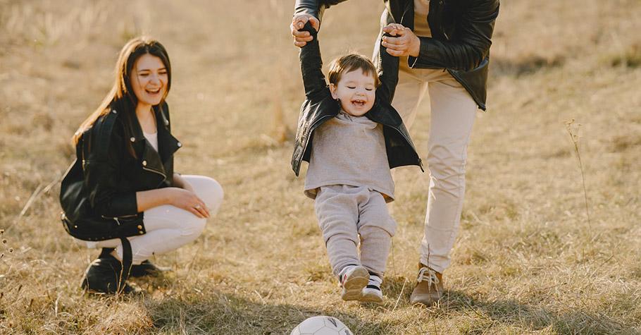 黃瑽寧:研究告訴我們,若要孩子情緒好 發展好,充足的感覺運動刺激加上父母的「安定力量」是最理想的安排