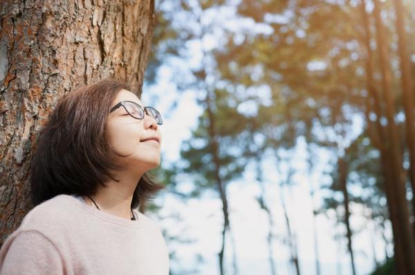 研究新知|45歲體內玻尿酸只剩一半!如何補,才能改善愈來愈乾的眼睛?